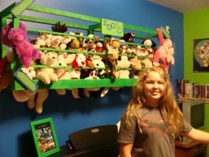 I have lots of stufed animals at home and this would work great to orginiz them Stuffed Animal Storage, Diy Stuffed Animals, Pet Organization, Organizing, Little Girl Rooms, Storage Solutions, Storage Ideas, Girls Bedroom, Bedrooms