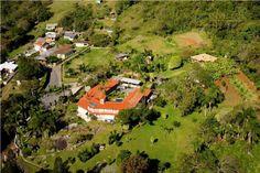 Imagem de parte da área a venda desta bela residência no bairro Caieira da Barra Do Sul em Florianópolis, Santa Catarina Brasil.