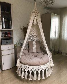 Macrame Chairs, Macrame Wall Hanging Patterns, Macrame Patterns, Macrame Design, Macrame Art, Macrame Projects, Yarn Wall Art, Wood Nursery, Swinging Chair