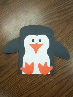 Penguin craft & other cute crafts. Story time Katie Penguin craft & other cute crafts. Daycare Crafts, Classroom Crafts, Classroom Ideas, Winter Thema, Thanksgiving Activities For Kids, Kindergarten Thanksgiving, Kids Thanksgiving, Winter Activities, January Crafts