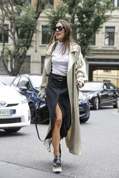 Check out our 10 tips for amping up a white T-shirt, inspired by street style's coolest stars.
