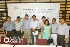 En la reunión de la asociación de líderes de opinión con el Dr. Lázaro Mazón Alonso, Secretario de Salud del Gobierno del Estado de Guerrero.