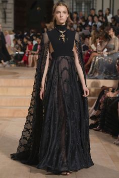 VALENTINO (Haute Couture Fall/ Winter 2015-16)