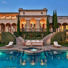 Beach Mansion, Dream Mansion, Luxury Pools, Mediterranean Home Decor, Modern Mansion, Luxury Homes Dream Houses, Mansions Homes, Dream House Exterior, Dream Home Design