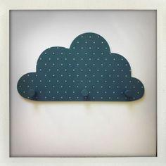 """<p>Chez <a title=""""Patère nuage My little Home"""" href=""""http://mylittlehome.fr/fr/mlh-decoration-mobilier-pour-enfants/100-nuage-patere-bleue-plumetis-argent.html"""" target=""""_blank""""><strong>My..."""