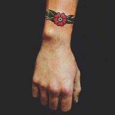 15 Top Old School Tattoo Designs - Tattoo Style Trendy Tattoos, Small Tattoos, Tattoos For Women, Tattoos For Guys, Arm Tattoo, Cuff Tattoo, Tattoos Motive, Neue Tattoos, Tattos