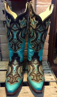 Corral Women's Inlay & Studded Snip Toe Boots Turquoise/Chocolate G1184 269.00 US