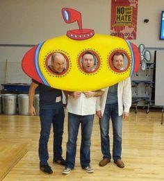 Resultado de imagem para how to make a submarine prop Under The Sea Theme, Under The Sea Party, Yellow Submarine, Submerged Vbs, Under The Sea Decorations, Vbs 2016, Sea Crafts, Vacation Bible School, Ocean Themes