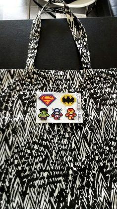 Fødselsdagsgave til Alfred. Superhelte. Superheros. Cross stich. Boys. Bag for toys.
