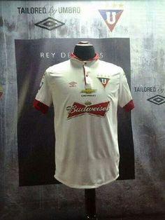 Linda la camiseta del #reydecopas @LDU_Oficial ahora con la publicidad de @Budweiser_EC #aguantelau #yosoydeliga