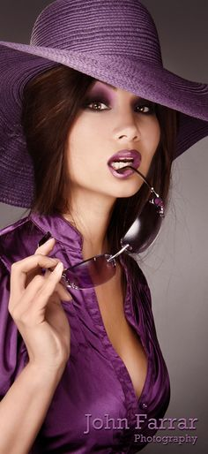 The purple color! Purple Haze, The Purple, Purple Stuff, All Things Purple, Shades Of Purple, Glamour, Purple Reign, Love Hat, Purple Fashion