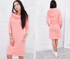 4078a3398ac4 Krásne jednofarebné marhuľové šaty s kapucňou