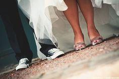 groom converses les moineaux de la mariee