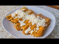 Enfrijoladas De Queso | Recetas Mexicanas Faciles - YouTube Mexican Empanadas, Roast Beef Recipes, Mexican Food Recipes, Ethnic Recipes, Enchiladas, Waffles, Salmon, French Toast, Recipies