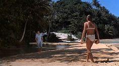 3.Het speelt zich af op Crab Key, een eiland dat tussen Jamaica en Cuba in ligt. Hier woont en werkt Doctor No.James Bond moet er onderzoek doen voor de Britse geheime dienst en neemt zijn Jamaicaanse vriend mee.