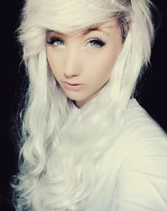 dyedh41r:    -dyed hair blog- accepts submissions! (read 'about' section)
