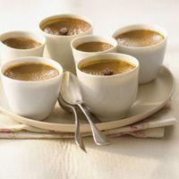 Découvrez la recette Panna cotta au café sur cuisineactuelle.fr.