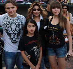 Blanketv Paris Jackson Photos, Familia Jackson, Michael Jackson Pics, Jackson Family, Child Actors, Hollywood Life, Eminem, Dancer, Prince