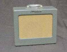 Vintage 1958 Rickenbacker M 8 Guitar Tube Amp Excellent