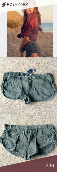 ❗️1 LEFT Urban Outfitters Olive Shorts NWT ❗️1 LEFT Urban Outfitters Olive Shirts. NWT size small. Feel free to make an offer! I'm giving to the first reasonable offer I receive & give great bundle deals! Moving Clearout Sale--all must go! ;-) Urban Outfitters Shorts