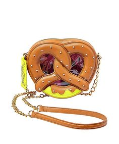 Handbags - Shop Women's Purses & Designer Handbags from Betsey Johnson - Stacha Styles Unique Handbags, Unique Purses, Unique Bags, Cute Purses, Purses And Handbags, Cheap Handbags, Luxury Handbags, Betsey Johnson Handbags, Novelty Bags
