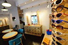 Boutique de lunettes vintage et artisanales #LesOpticiensduBac #Nice06 #FrenchRiviera #ShopinNice #VintageShop