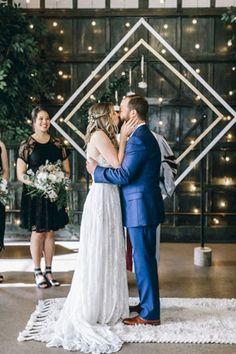 Chic Geometric Wedding Ideas for 2018 Trends Chic Wedding, Wedding Bride, Wedding Ceremony, Wedding Arches, Wedding Ideas, Wedding Attire, Wedding Bells, Wedding Decor, Wedding Photos