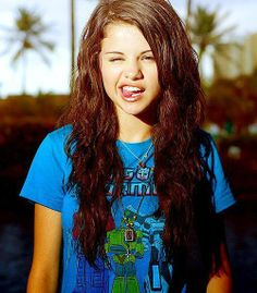 Selena Gomez. I lover her hair in this pic
