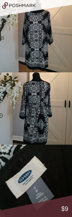 Old Navy Black & White Print Tunic Dress Black & White Print Tunic Dress,  Size S/P Tall.  Perfect with black tights and boots! Old Navy Dresses Midi