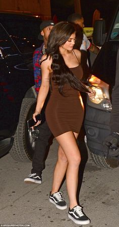 Kylie Jenner flaunts her famous curves in a figure-hugging brown dress Life and soul: It came as no surprise to see Kylie Jenner in good spirits as she headed to Club with boyfriend Tyga and their entourage on Friday Kylie Jenner Outfits, Kendall E Kylie Jenner, Trajes Kylie Jenner, Looks Kylie Jenner, Estilo Kylie Jenner, Kyle Jenner, Kylie Jenner Style, Kylie Jenner Boyfriend, Khloe Kardashian
