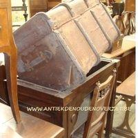 Enorme keuze antieke meubelen bij Antiek & Interieur Den Ouden Overzet, Melsele
