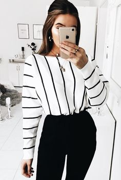 Women Clothing Outfits with Fashion Striped Shirt to Wear with Style Women ClothingSource : Outfits con Camisa de Rayas de Moda para lucir con Estilo by helena_reich Look Fashion, 90s Fashion, Spring Fashion, Fashion 2020, Fashion Clothes, Street Fashion, Fashion Trends, Trendy Fashion, Style Clothes