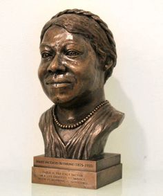 1865Company — Mary McLeod Bethune Bronze Desk Bust Mary Mcleod Bethune, Civil Rights Leaders, Large Desk, Personal Library, Daytona Beach, Bronze Sculpture, Keepsakes, It Cast, African