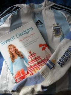 Florencia from Argentina has joined the #SweetDesigns virtual book club!