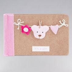 Álbum Bear Rosa 25.95€ A Mamá le va a encantar este simpático detalle. Un bonito regalo donde podrás guardar los recuerdos del peque #regalosbebé #bebedeparis