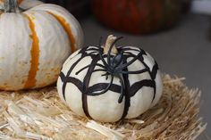 Creative fun ways to decorate pumpkins this fall! Spider webs are a great DIY pumpkin project. Add a fake spider for effect! Diy Pumpkin, Pumpkin Carving, Pumpkin Spice, Easy Halloween Crafts, Happy Halloween, Halloween Decorations, Fake Spider, Spider Webs, 70s Decor