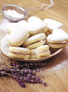Fragrance Notes: A sweet blend of lavender and creamy vanilla bean. Romanian Desserts, Romanian Food, Romanian Recipes, Cookie Recipes, Dessert Recipes, Good Food, Yummy Food, Sweet Pastries, I Foods