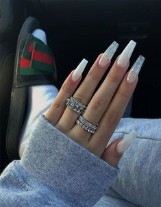 Image in Nails💅🏻/ أظافر✨ collection by YAZ👑 on We Heart It Acrylic Nails Coffin Short, Simple Acrylic Nails, White Acrylic Nails, Summer Acrylic Nails, Acrylic Nail Designs, Simple Nails, Summer Nails, Long White Nails, White Coffin Nails