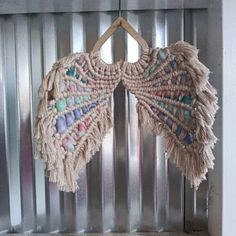 This is a set of 3 heart frame cutouts in birch wood for creating Macrame Angel Wings This set comes with Angel Wings pattern/tutorial. **Cord is NOT included Please include your email in the notes for the tutorial. Macrame Wall Hanging Patterns, Macrame Art, Macrame Design, Macrame Patterns, Crochet Patterns, Macramé Angel, Angel Wings Art, Angel Wings Wall Decor, Rope Plant Hanger