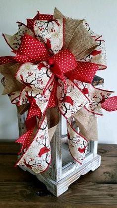Diy Christmas Gifts, Christmas Projects, Handmade Christmas, Holiday Crafts, Christmas Wreaths, Front Door Christmas Bows, Christmas Lanterns Diy, Christmas Christmas, Country Christmas Decorations