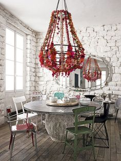 Colorful and Unusual -The Gorgeous Parisian Apartment of Paola Navone | http://www.designrulz.com/design/2015/06/gorgeous-parisian-apartment-paola-navone/