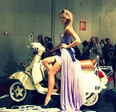 Piaggio Vespa, Vespa Lambretta, Vespa Girl, Scooter Girl, Motor Scooters, Vespa Scooters, Retro Scooter, Chicks On Bikes, Cafe Racing