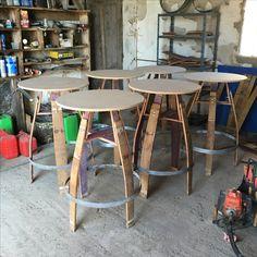 Barrel tall table  Table haute en barriques