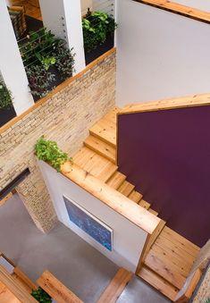 Offen Treppenhaus-Holzstufen Designer Haus-Innenausbau Projekt Renovierung Schule