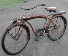 Really nice lines. Old Bicycle, Bicycle Tires, Bicycle Art, Cool Bicycles, Cool Bikes, Vintage Cars, Retro Vintage, Old School Skateboards, Antique Bicycles