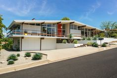 This beautifully preserved midcentury gem in Southern California hits the market for $1.8 million—original charm intact.