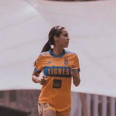 "Greta Espinoza on Instagram: ""¡Día de partido! Tigres 🆚 Querétaro 📺 TUDN ⏰ 19:00 📍Estadio Universitario 📸 @11lgnds"" Instagram, Sports, Tops, Fashion, Senior Boys, Hs Sports, Moda, Fashion Styles, Sport"