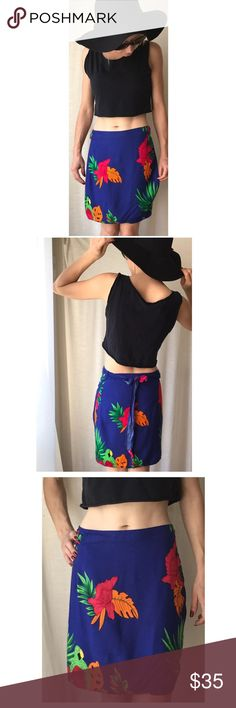 Vintage Tropical Wrap Skirt Super cute, size Medium tropical print skirt. Great vintage condition. Ties on the side. Bright colors, parrots and plants print, perfect for summer bikini cover. Skirts Mini