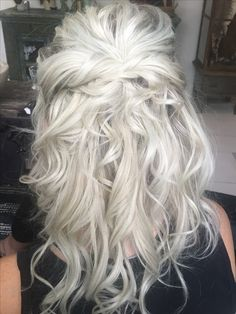 Shop our online store for blonde hair wigs for women.Blonde Wigs Lace Frontal Hair Pale Blonde From Our Wigs Shops,Buy The Wig Now With Big Discount. Pale Blonde, Blonde Wig, Frontal Hairstyles, Wig Hairstyles, Coiffure Hair, Real Hair Wigs, Galaxy Hair, Wig Styles, Mermaid Hair