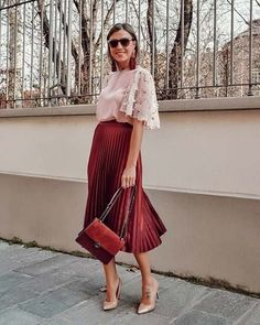 Pleated Midi Skirt Outfit Idea for Work Summer Work Wardrobe, Summer Work Outfits, Red Skirt Outfits, Red Skirts, Work Fashion, Modest Fashion, Fashion Outfits, Office Fashion, Fashion 2018